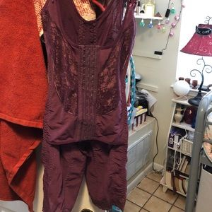 Maroon burgundy wine shape wear body slimmer